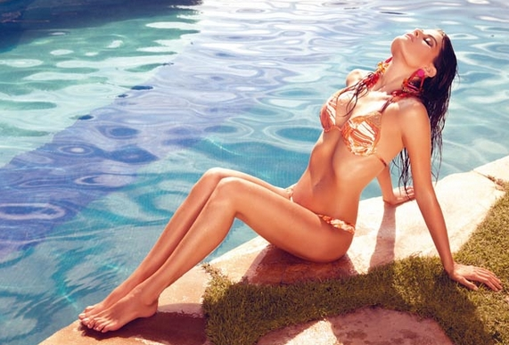 Hottest bikini models of the world